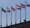 vlaggen-naast-elkaar